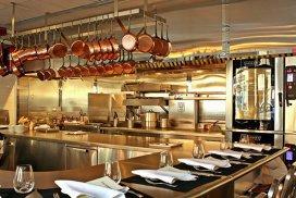 9 restaurante în care aştepţi un an ca să mănânci
