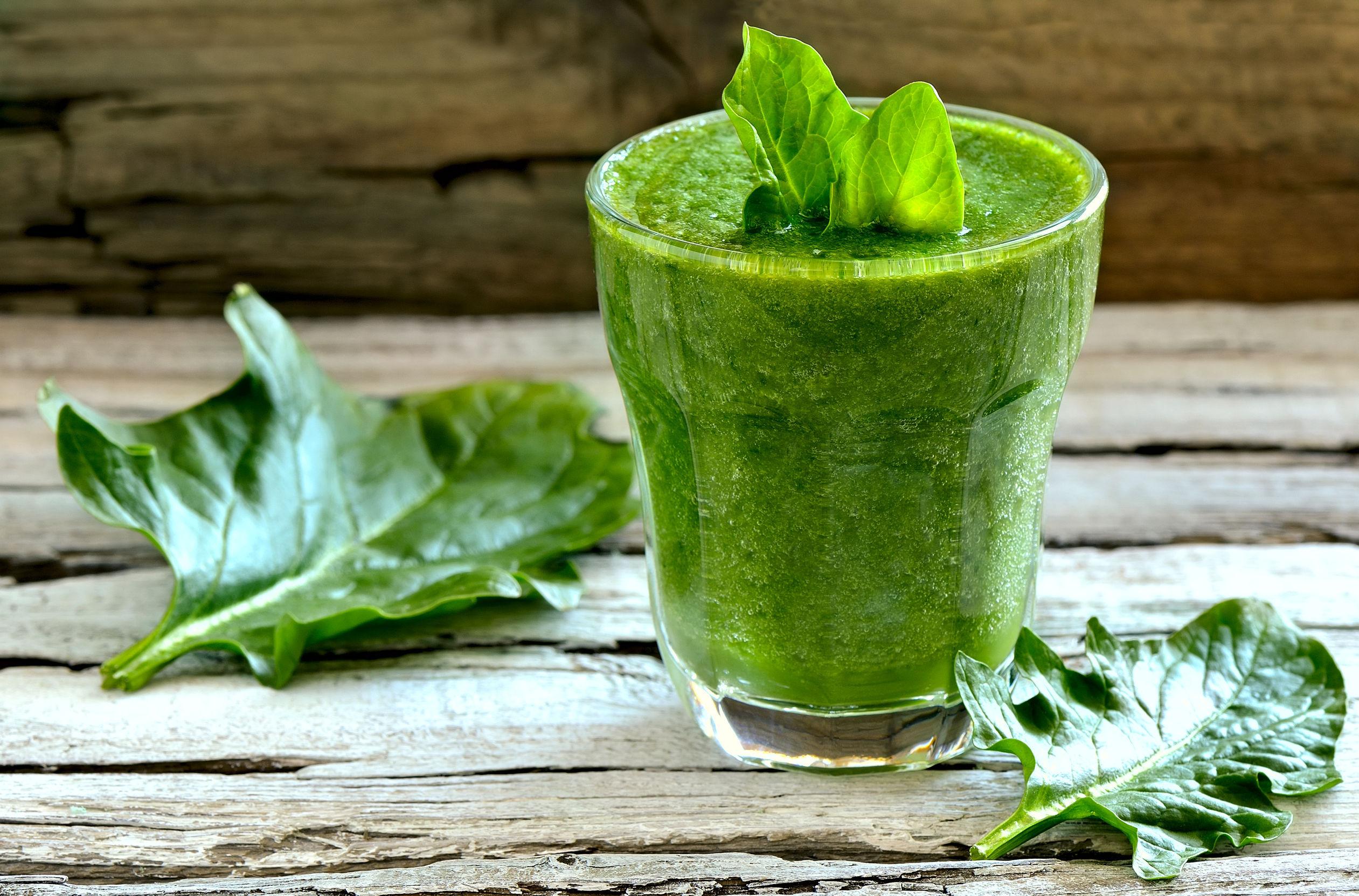 Se poartă verde: 5 smoothie-uri care îţi dau energie pentru toată ziua