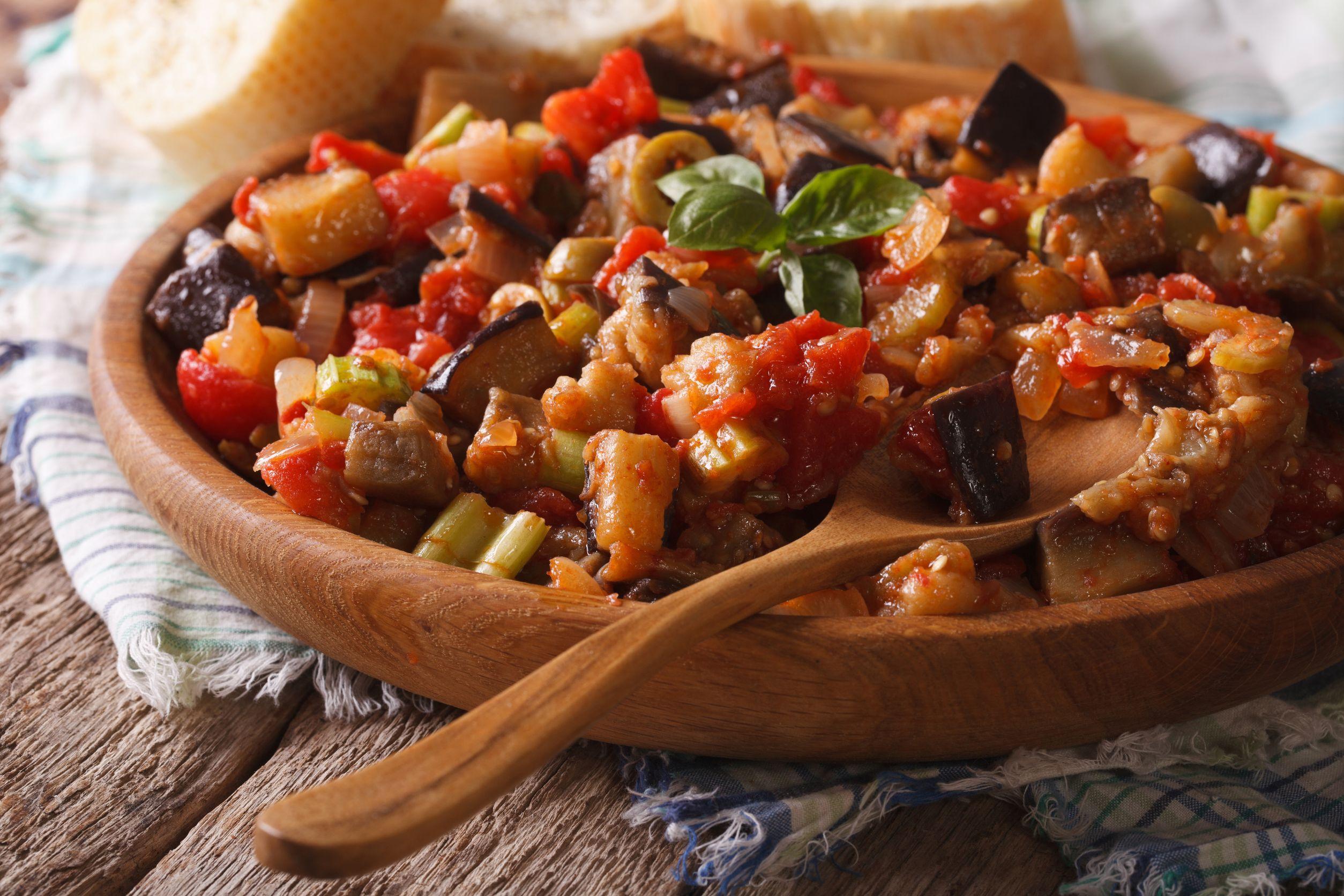 Caponata siciliană pentru îndrăgostiţii de bucătăria italiană