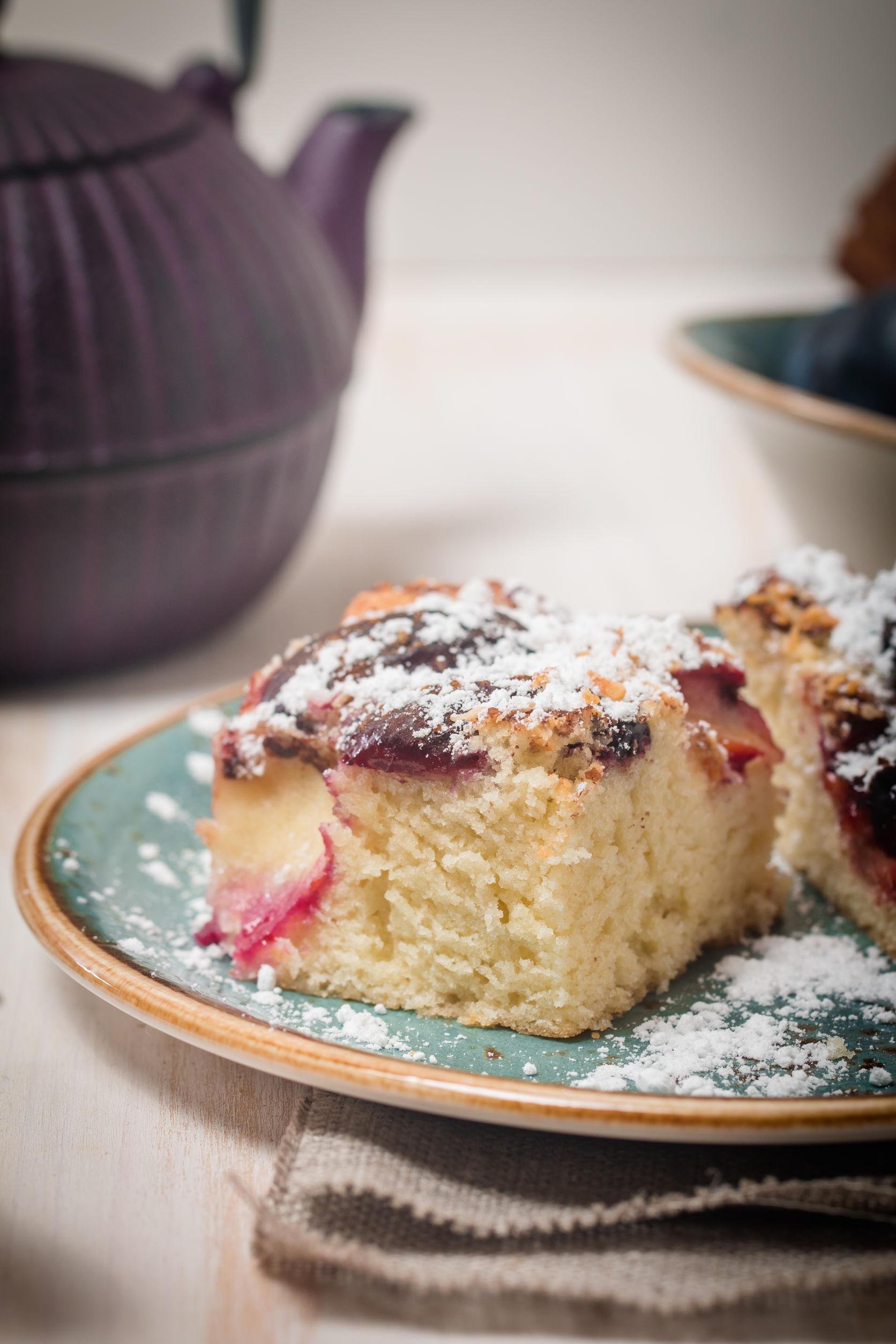 Prăjitură cu prune şi afine
