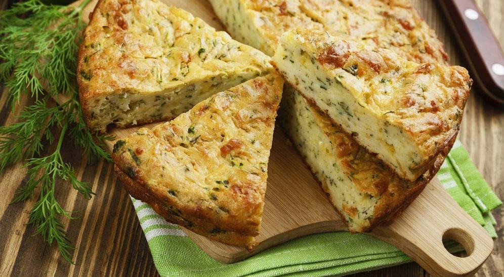 Plăcintă cu legume şi brânză Cheddar
