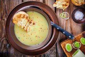 Supă de ţelină cu praz şi conopidă