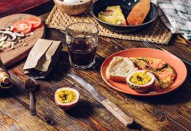 Ouă jumări şi gustul exotic al fructului pasiunii