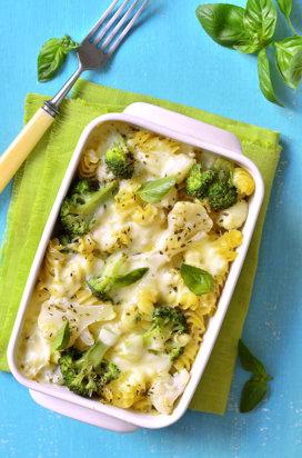 Paste la cuptor, cu broccoli, conopidă şi brânză