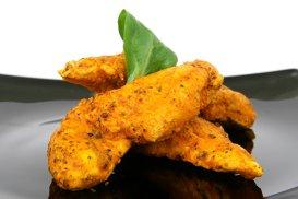 Salsa de portocale şi ardei iute cu piept de pui în crustă de parmezan