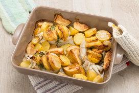 Calamari şi cartofi la cuptor, cu parmezan şi fulgi de ardei iute