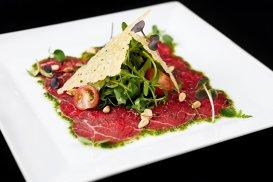 Carpaccio, aperitivul inventat de italieni şi desăvârşit de francezi. 6 stiluri gourmet