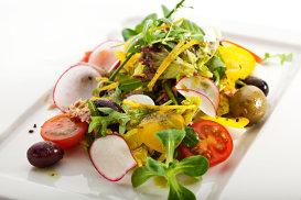 Salată Nicoise. Gordon Ramsay: cea mai elegantă şi sofisticată