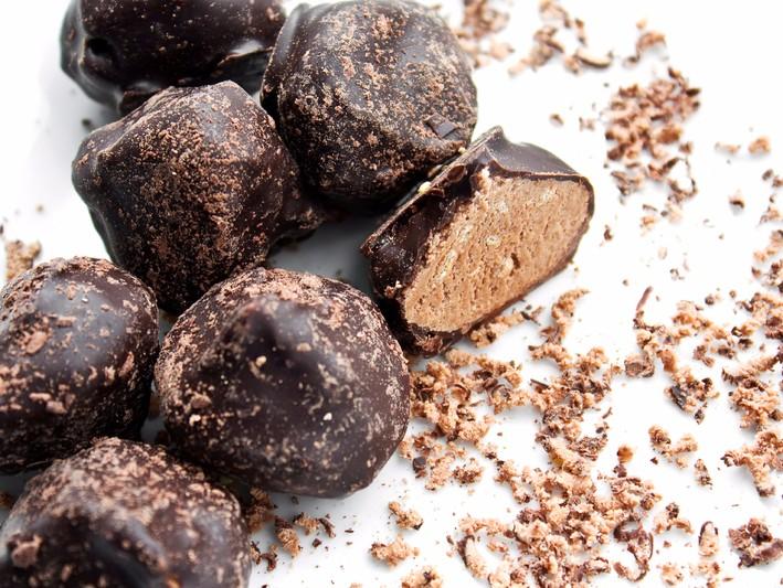 Trufe cu ciocolată, chilli şi scorţisoară