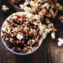 Cum să faci popcorn cu ciocolată la tine acasă - VIDEO