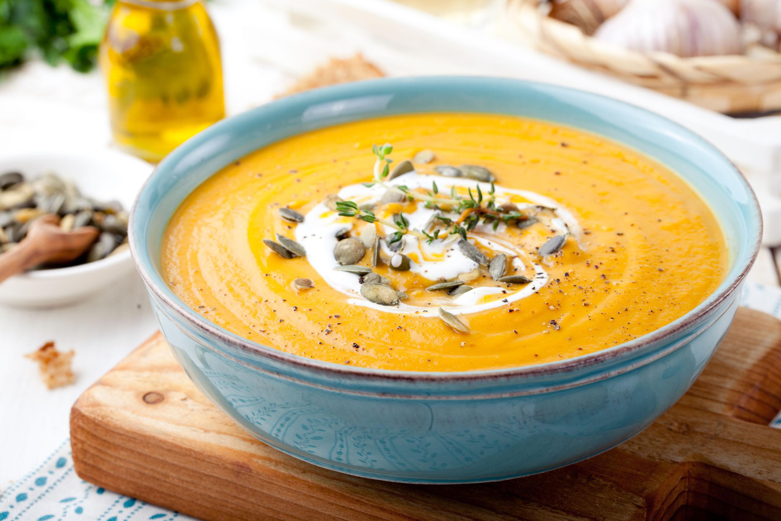 5 supe care te încălzesc în zilele de toamnă