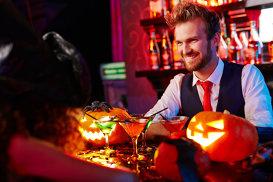 6 cocktailuri înfricoşător de delicioase pentru petrecerea ta de Halloween