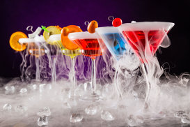 Cocktailuri strălucitoare pentru petreceri uimitoare