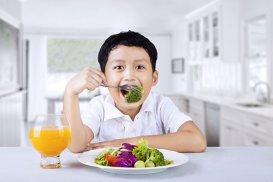 4 salate de broccoli bune chiar şi pentru mofturoşi