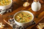 Supă de vreme rece cu cartofi copţi şi brâză Gouda