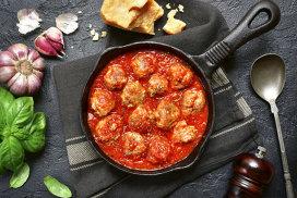 Reţeta faimoaselor chifteluţe în sos roşu ale Donatellei Arpaia