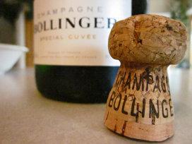 Bollinger scoate la licitaţie cea mai exclusivistă şampanie din lume, demnă de un scenariu de film