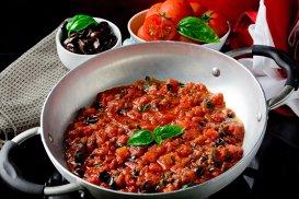 Spaghetti alla puttanesca şi legenda prostituatelor din Napoli
