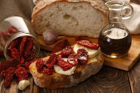 Bruschetta, din Roma antică în contemporanul paradis culinar al lumii