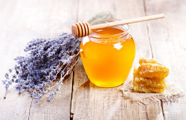 De la ceai la miere, cultura de lavandă este o afacere tot mai profitabilă în România