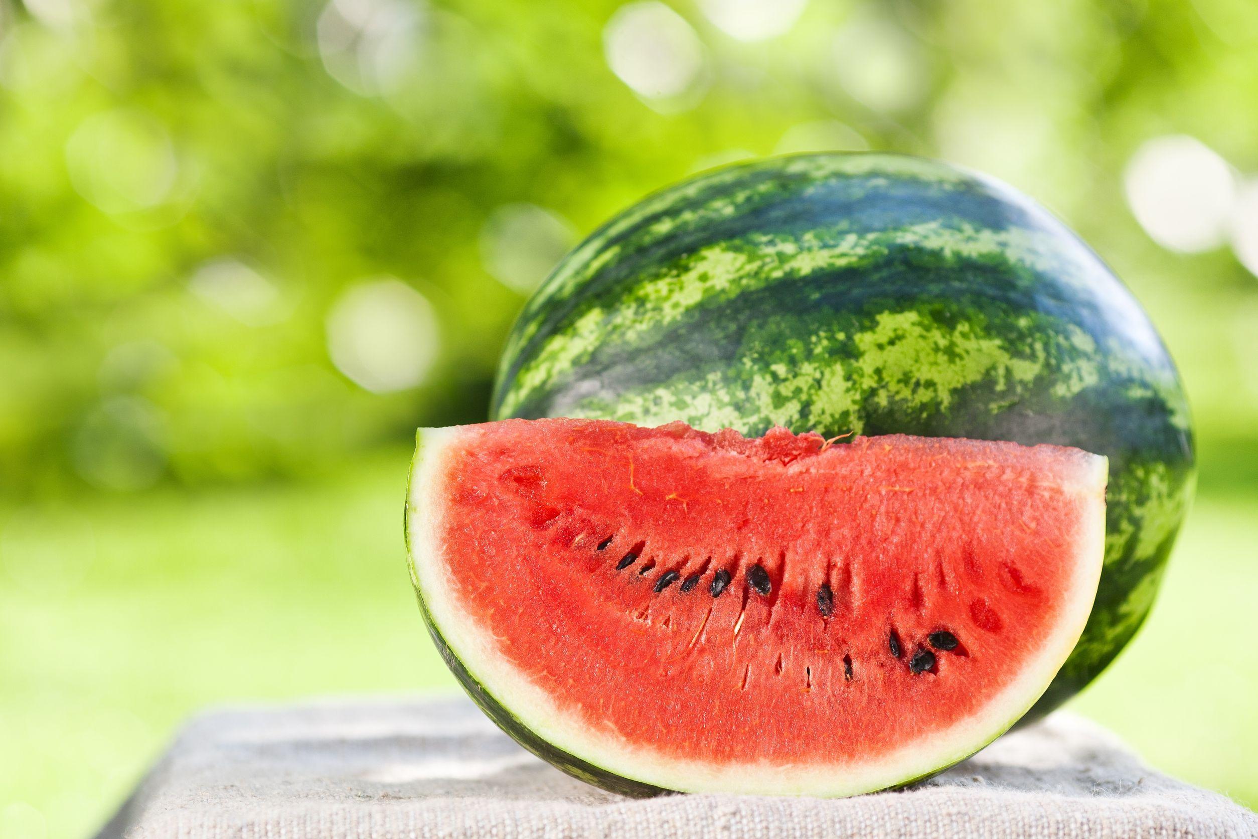 De ce pepenele de Dăbuleni începe să depindă de Facebook şi cum îl alegi pe cel mai gustos