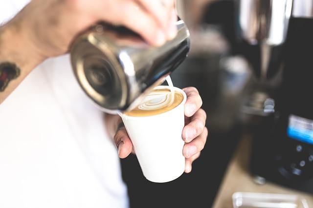 Un barista din Coreea de Sud realizează adevărate opere de artă în cafea