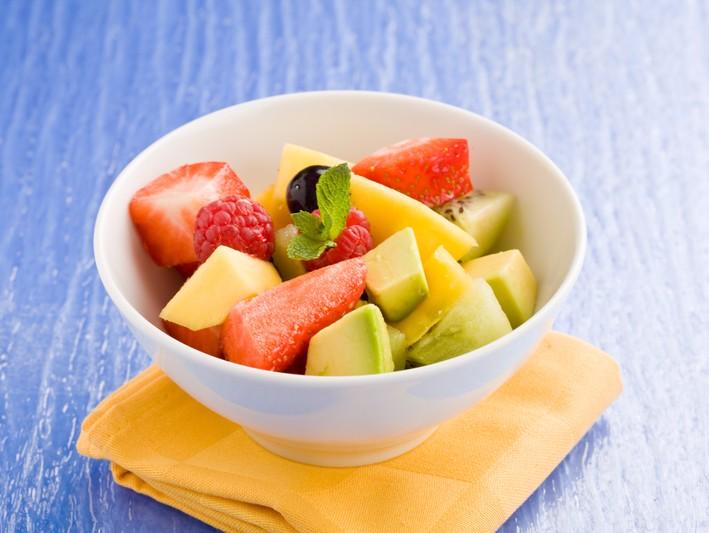 Salată de fructe cu sirop de mentă