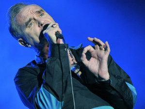 Morrissey recunoaşte că tratamentul pentru cancer l-a încetinit, dar e mai ocupat ca niciodată să compună piese noi