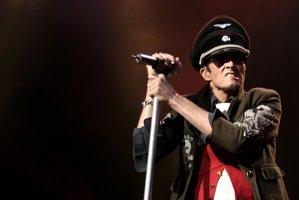 Au trecut doi ani de când vocalistul Stone Temple Pilots, Velvet Revolver, Scott Weiland, a trecut în nefiinţă