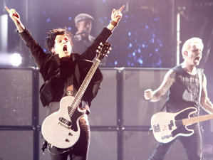 Green Day şi-a început aseară turneul european cu piese rare şi un cover George Michael