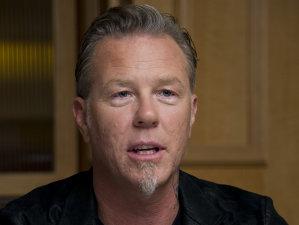 Liderul Metallica, James Hetfield,  este vocea unui documentar despre impactul dependenţei de pornografie