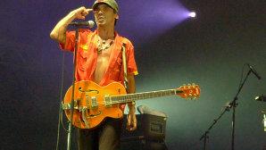 Manu Chao revine după un deceniu cu trei noi piese