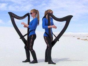 """Cover Metallica, """"Enter Sandman"""", cântat la harpe de…Harp Twins"""