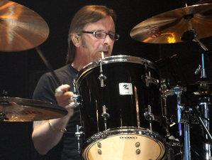 Fostul toboşar AC/DC, Phil Rudd a revenit la gânduri bune