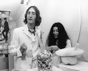 Yoko Ono produce un film despre povestea sa de dragoste cu Lennon