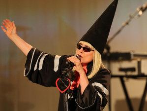 """În noul clip Blondie, """"Fun"""", psihedelicul e la el acasă"""