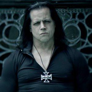 Virgine sacrificate, băi de sânge şi electrocutări - acestea sunt temele unui festival organizat de Danzig