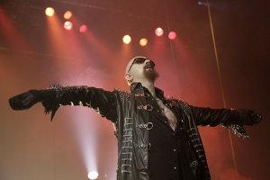 Vocalistul Judas Priest, Rob Halford, lansează un box-set cu proiectele sale solo, Fight şi 2WO