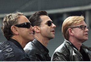 Depeche Mode îşi va re-înregistra hiturile din 80 şi 90 cu sound-ul actual