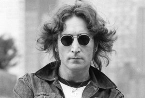 Trei cadavre au fost găsite în casa lui John Lennon