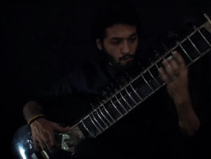 "VIDEO: Cum se cântă Metallica, ""Hardwired"", la sitar"