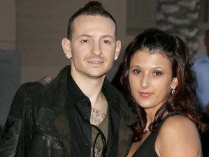 Un hacker a spart contul de twitter al soţiei lui Chester Bennington după sinuciderea acestuia