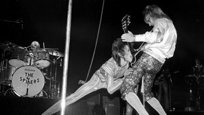 "VIDEO: A apărut un nou documentar al chitaristului Mick Ronson,""Beside Bowie"""