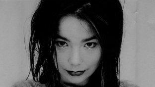 Björk s-a alăturat vedetelor de Hollywood, povestind c-a fost victima harţuirii sexuale a unui ne-numit regizor