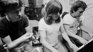 Zi neagră pentru muzică: AC/DC în doliu