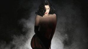 VIDEO: Fosta iubită a lui Marilyn Manson, Dita Von Teese, se lansează în muzică