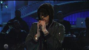 Este Eminem gay sau a glumit?