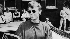 Suma astronomică cu care s-a vândut un Volvo al lui David Bowie