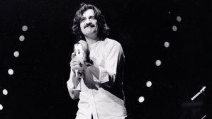 Ray Thomas, multi-instrumentistul Moody Blues, a murit