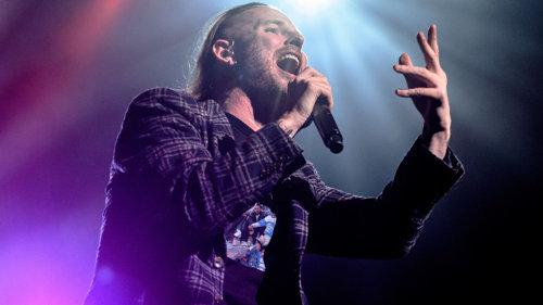 """VIDEO: Corey Taylor, vocalistul Slipknot/Stone Sour, a lansat online concertul solo """"Live In London"""""""